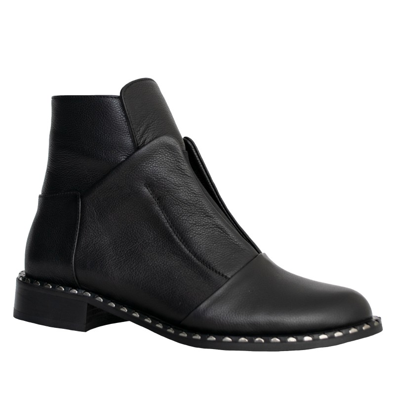 LORETTI Low heel leather Carbone boots