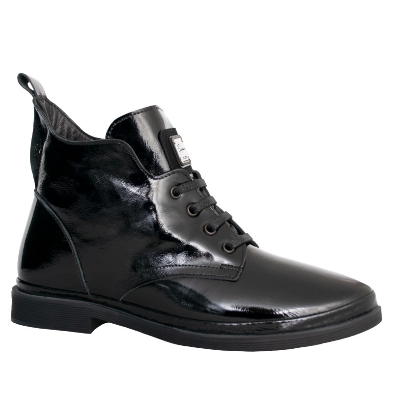 LORETTI Low heel patent leather Carbone boots