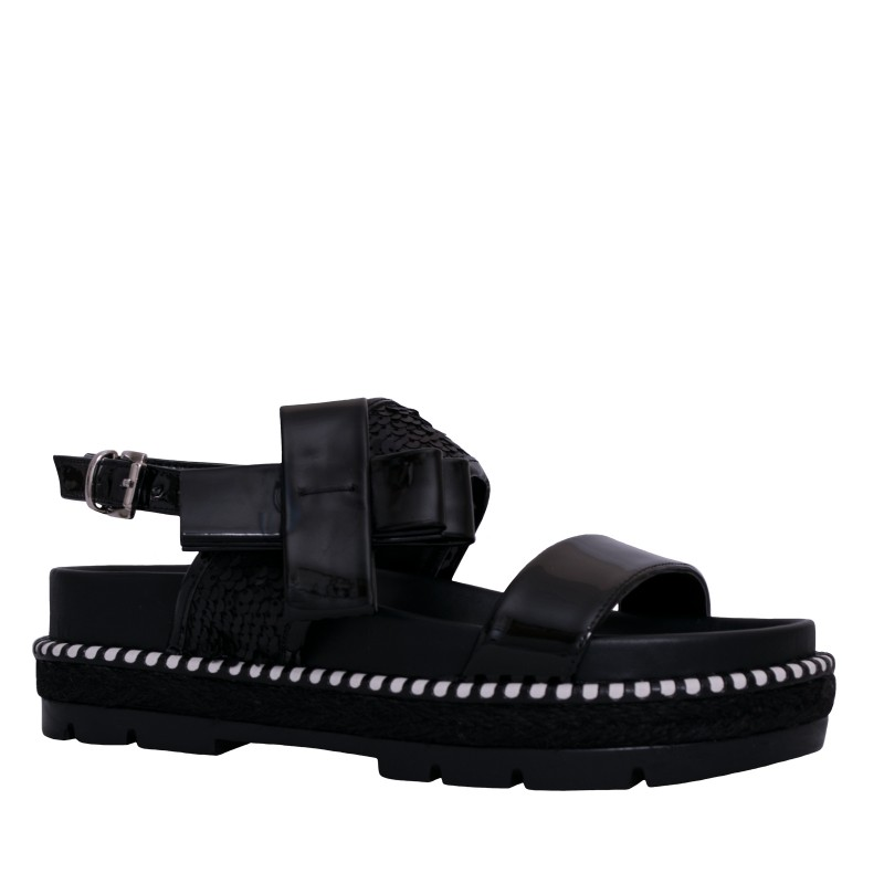 LORETTI Thick sole patent leather Carbone sandals